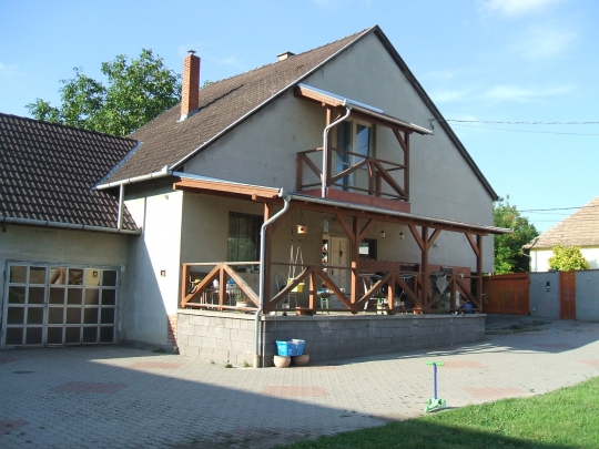 House with 6 rooms and a car polish service for sale at a good price in quiet street in Bogyisz - 5/5
