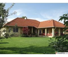 American style family house with panorama in picturesque surroundings close to Budapest.